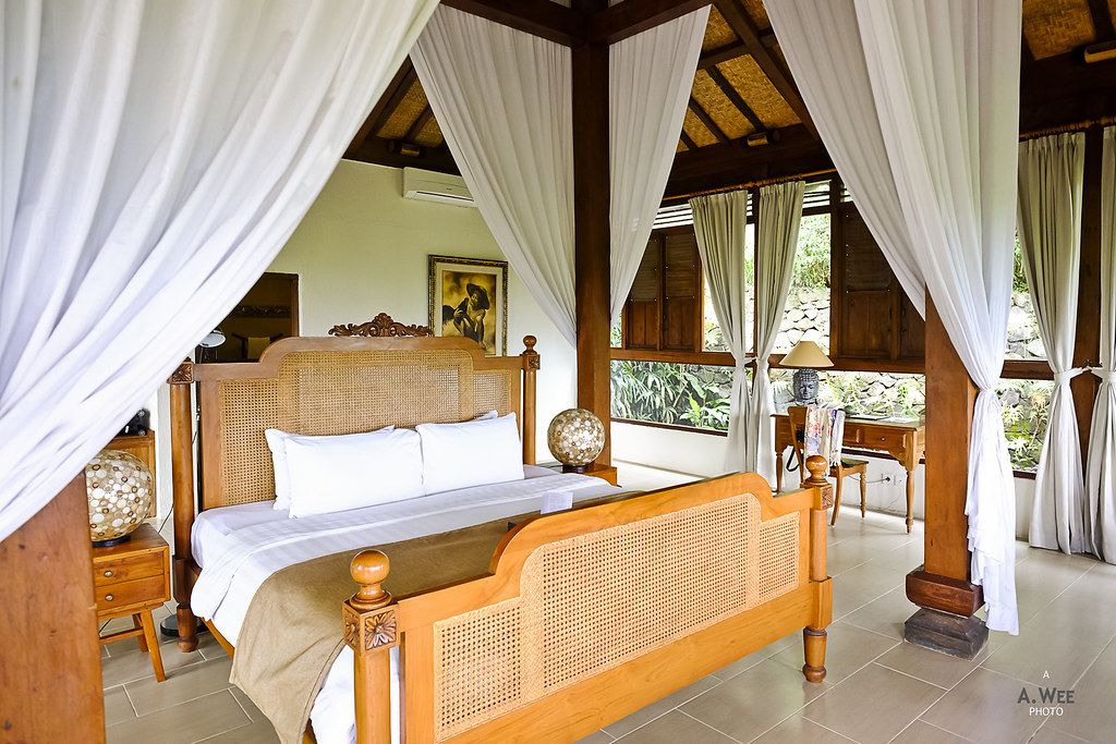 Four poster bed in the villa