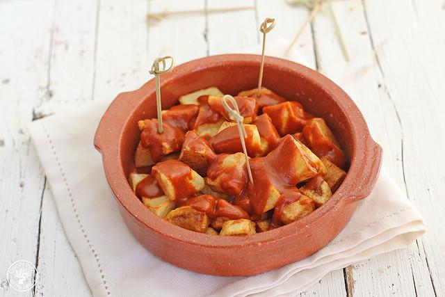 Patatas bravas www.cocinandoentreolivos.com (8)