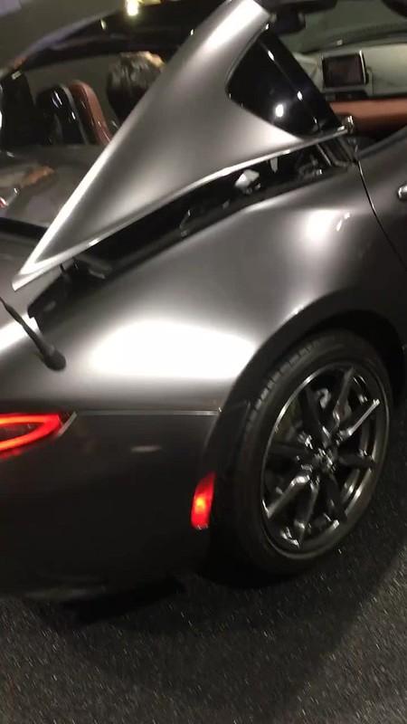 Mazda MX-5 RF roof transform 01
