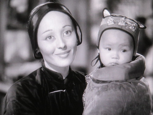 Luise Rainer in THE GOOD EARTH