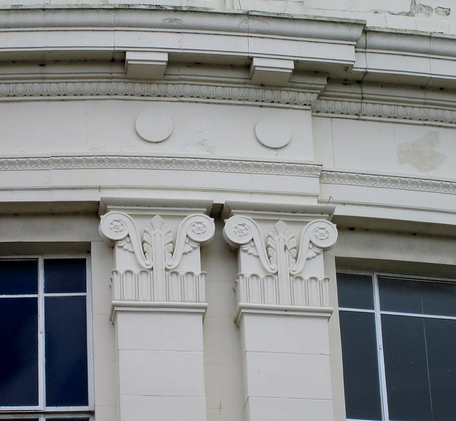 Burton's, King's Lynn, Column Detail