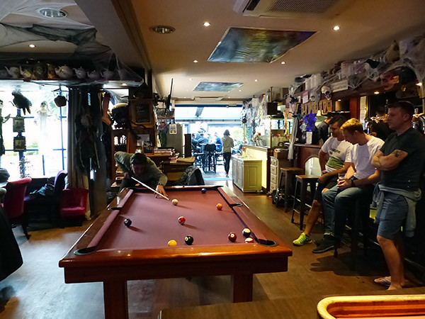 un billard au blue lady pub ?