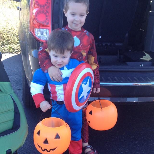 Iron Man & Captain America = BFFs 😄 #bromance #brothers #lukeyj #hippojames
