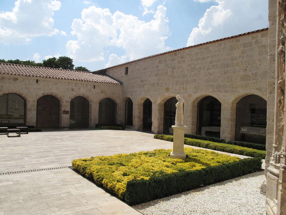 cartuja de miraflores_burgos_patrimonio_ruta no turistica_patio de entrada