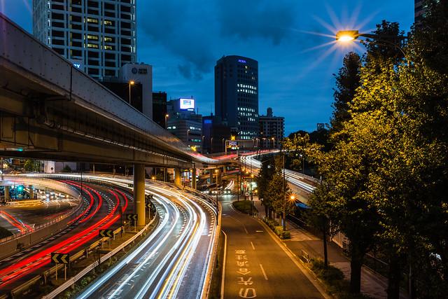 歩道橋から撮影した赤坂の夜景