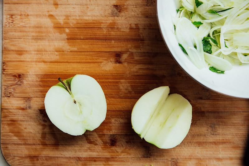 Salada de Maçã Verde, Erva Doce e Avelãs