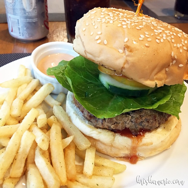 Angus Beef Buger at Beeffalo