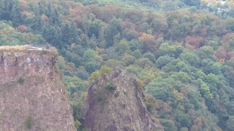 Blick auf Aussichtspunkt Gans, Burgruine Rheingrafenstein