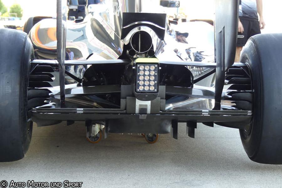 mp4-31-rear