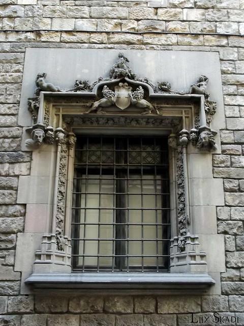 Carrer del Bisbe (Barcelona) 3