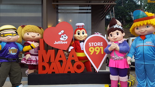 DavaoFoodTripS.com :: Jollibee's Road to 1000 Stores: Opens Its 991st Branch in Ma-a Davao City