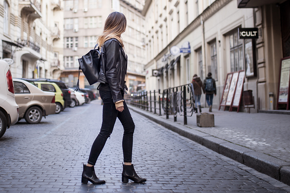 hoodie-leather-jacket-street-style