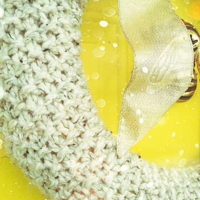 Seed Stitch Knit Winter Wreath