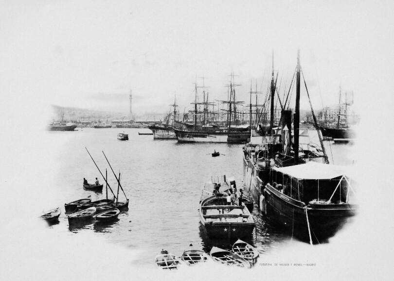 Ancienne carte postale du port de Barcelone.