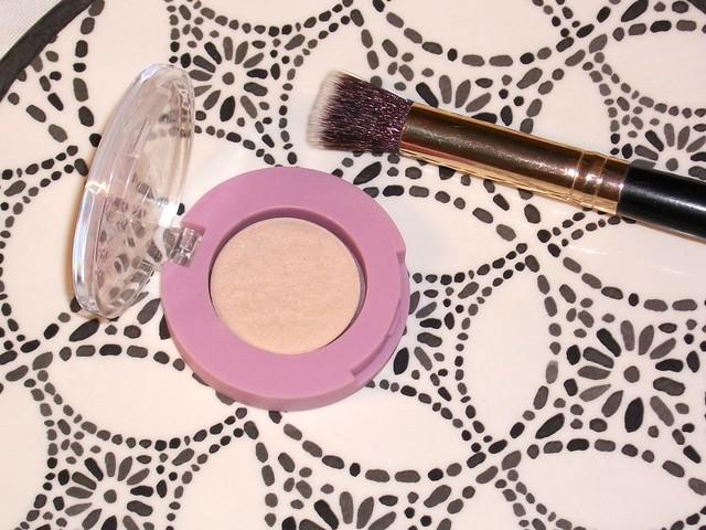 Dusty-Girls-Going-Buff-Eyeshadow