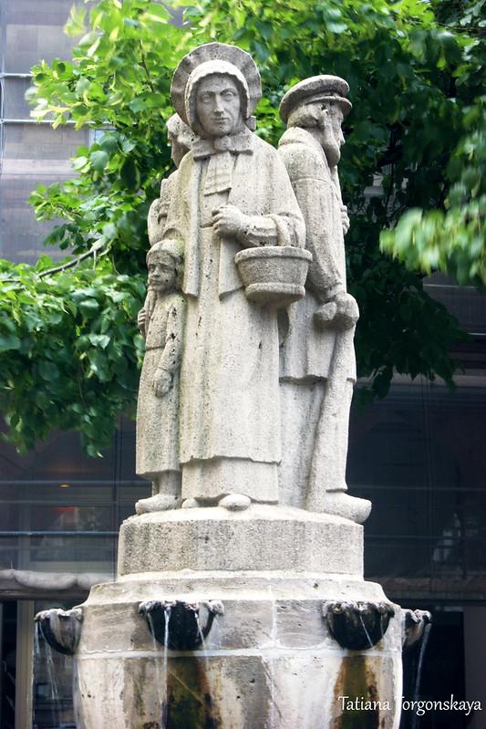 Фигуры фонтана Ламберта
