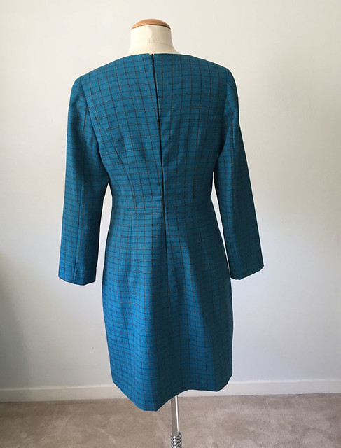 Burda 8-2016-124B green dress back on form
