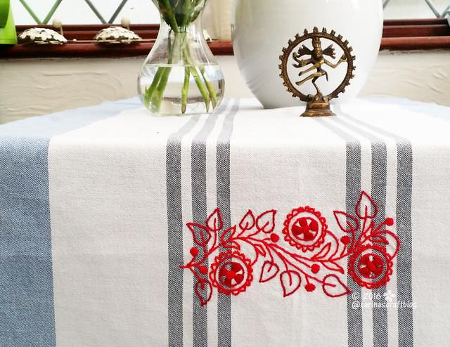 Table runner from Romantic Motifs