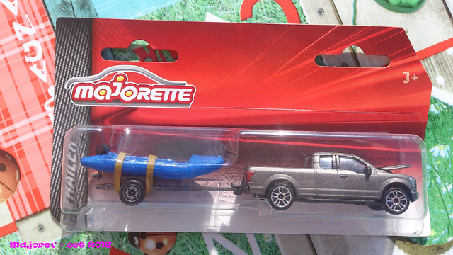 N°343 - Ford F150 + Remorque Zodiac 30717737795_aae210cdf2_z