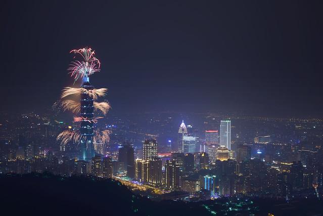 2016.01.01 台北 / 九五峰 / 台北101跨年煙火 / Taipei 101 New Year Firework