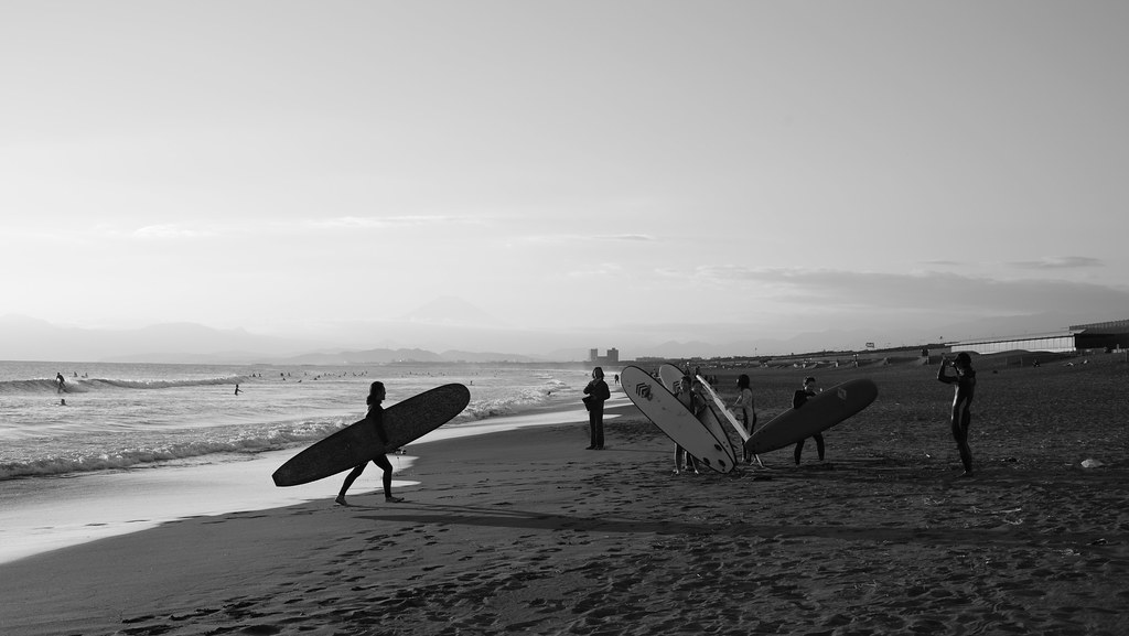 Surfer friends