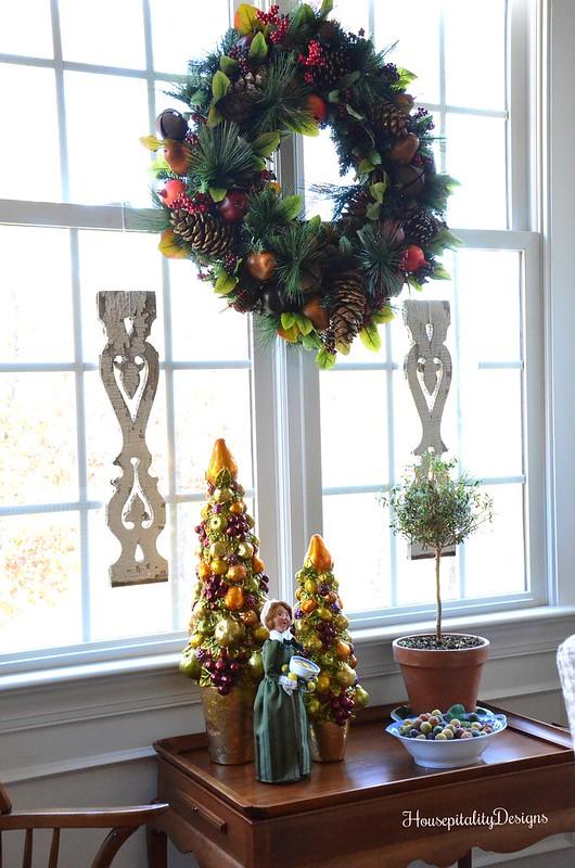 Charleston Wreath-Byer Caroler-Dining Room-Tea Table-Christmas-Housepitality Designs