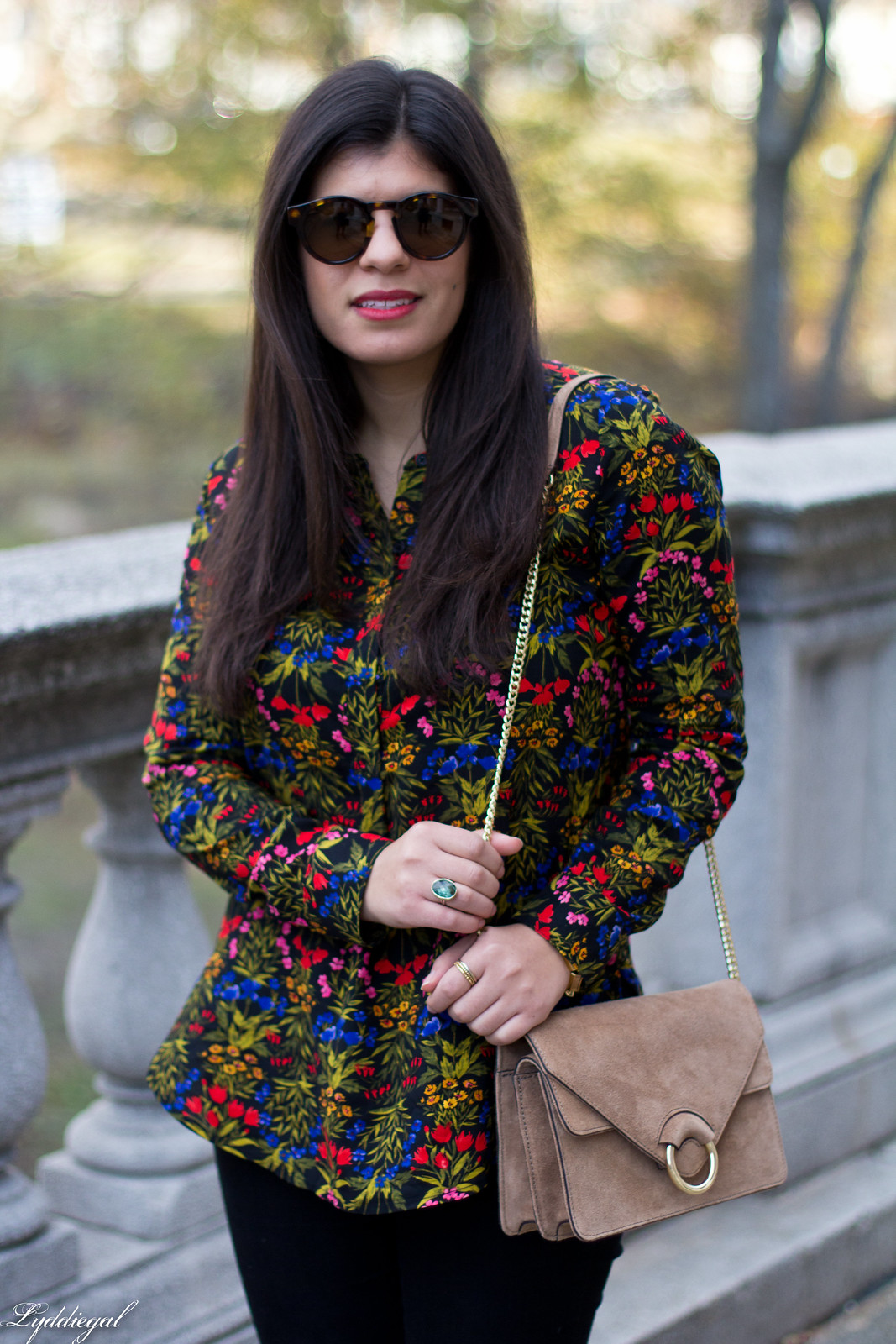dark floral blouse, leopard pumps, banana republic accordion bag-5.jpg