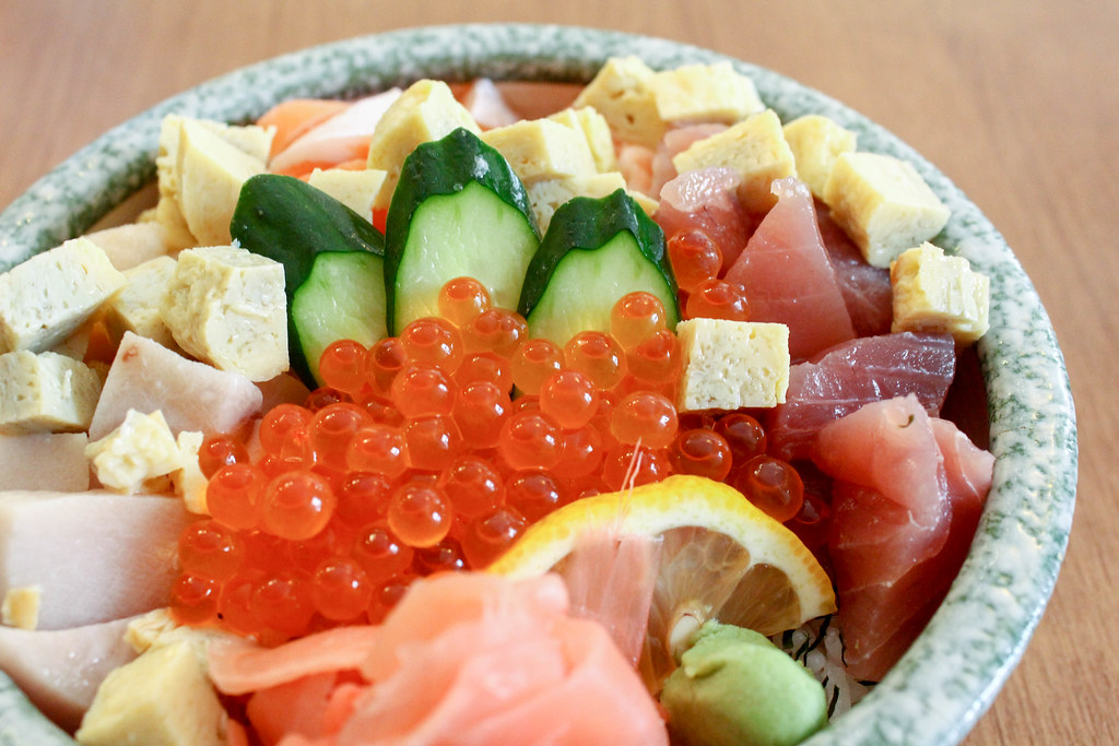 manzoku_chirashi_don_closeup