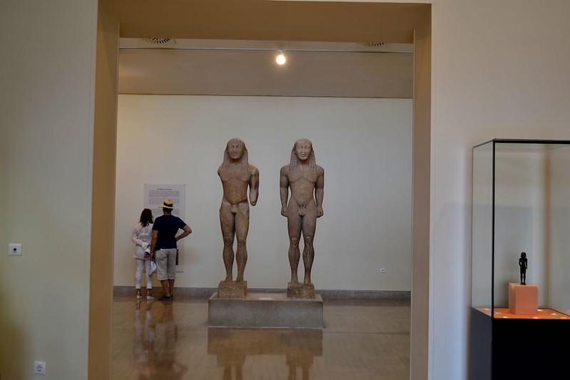 Cléobis y Biton en el Museo de Delfos.