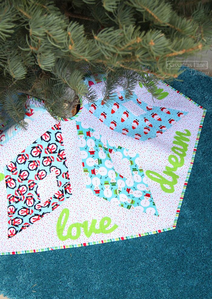 Kringle Crossing Tree Skirt & Table Topper Pattern