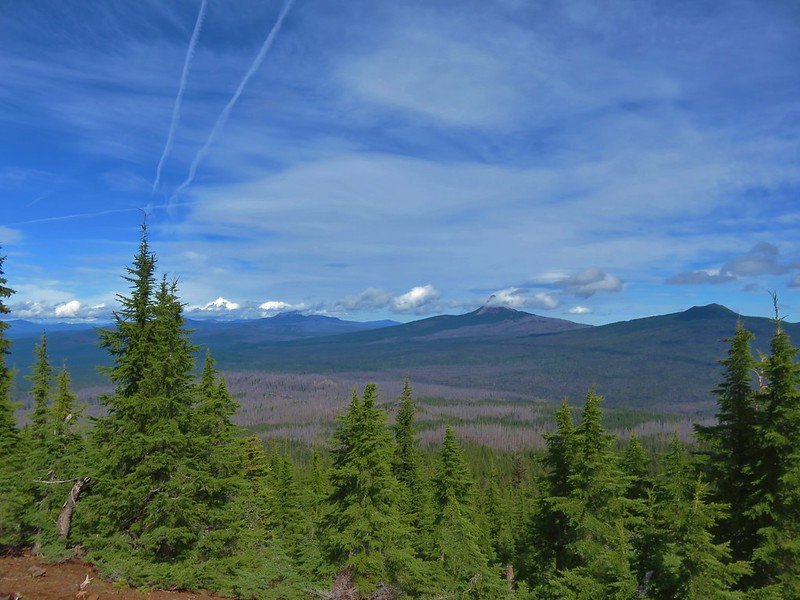 Mt. Jefferson, Three Fingered Jack, Mt. Washington and Belknap Crater