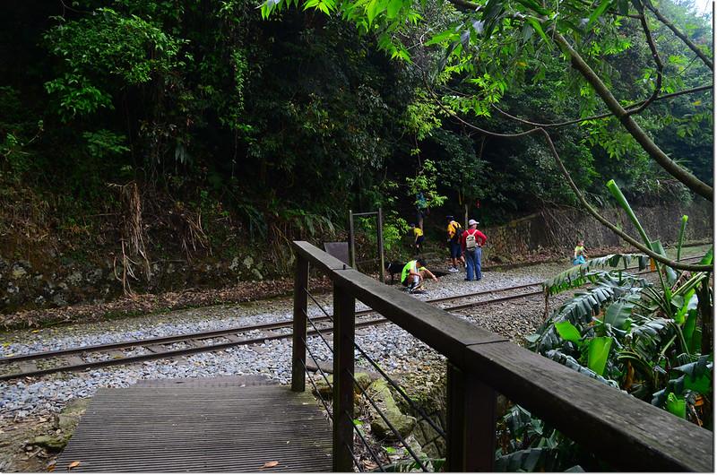 獨立山步道與鐵道交會處 1