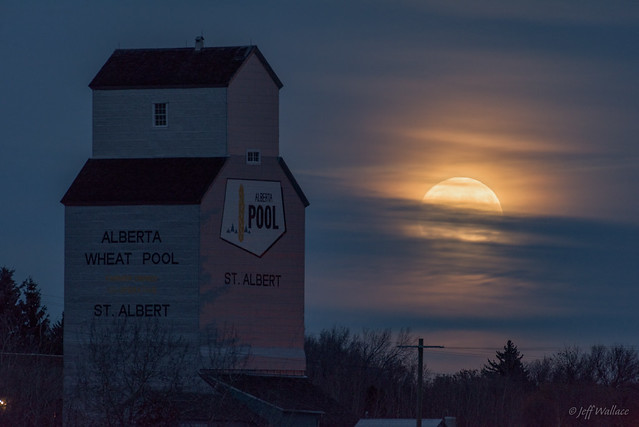 Supermoon, St Albert, Alberta