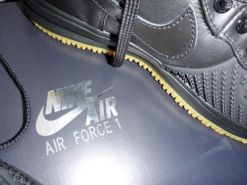 NIKE! AIR FORCE 1