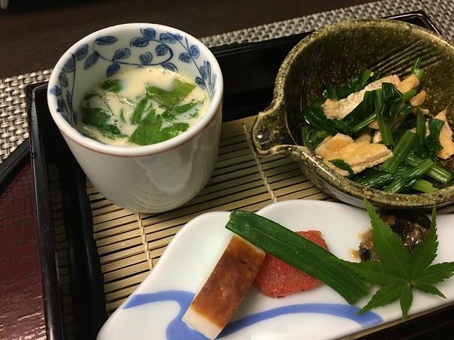 蒸蛋、烤竹輪與明太子、小松菜拌豆皮。