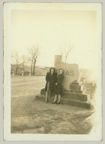 Two women and the Texas State Line