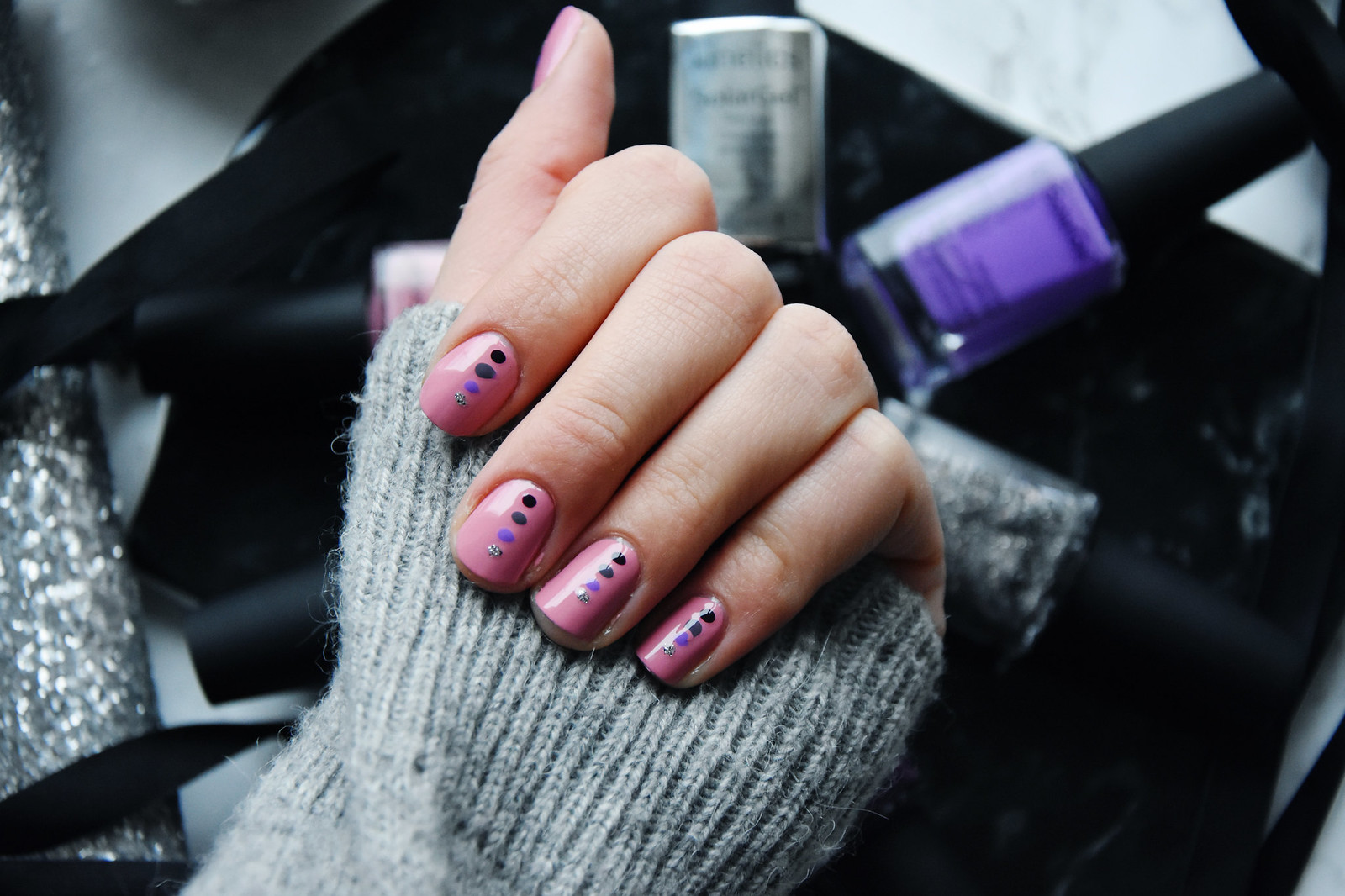 Dotted manicure inspiration