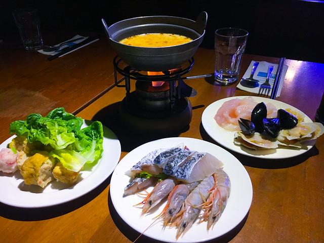 xo-superior-soup-hotpot
