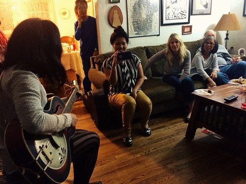 Thanksgiving Sing-a-longs at Ana's Aunt's (Nov 26 2015)