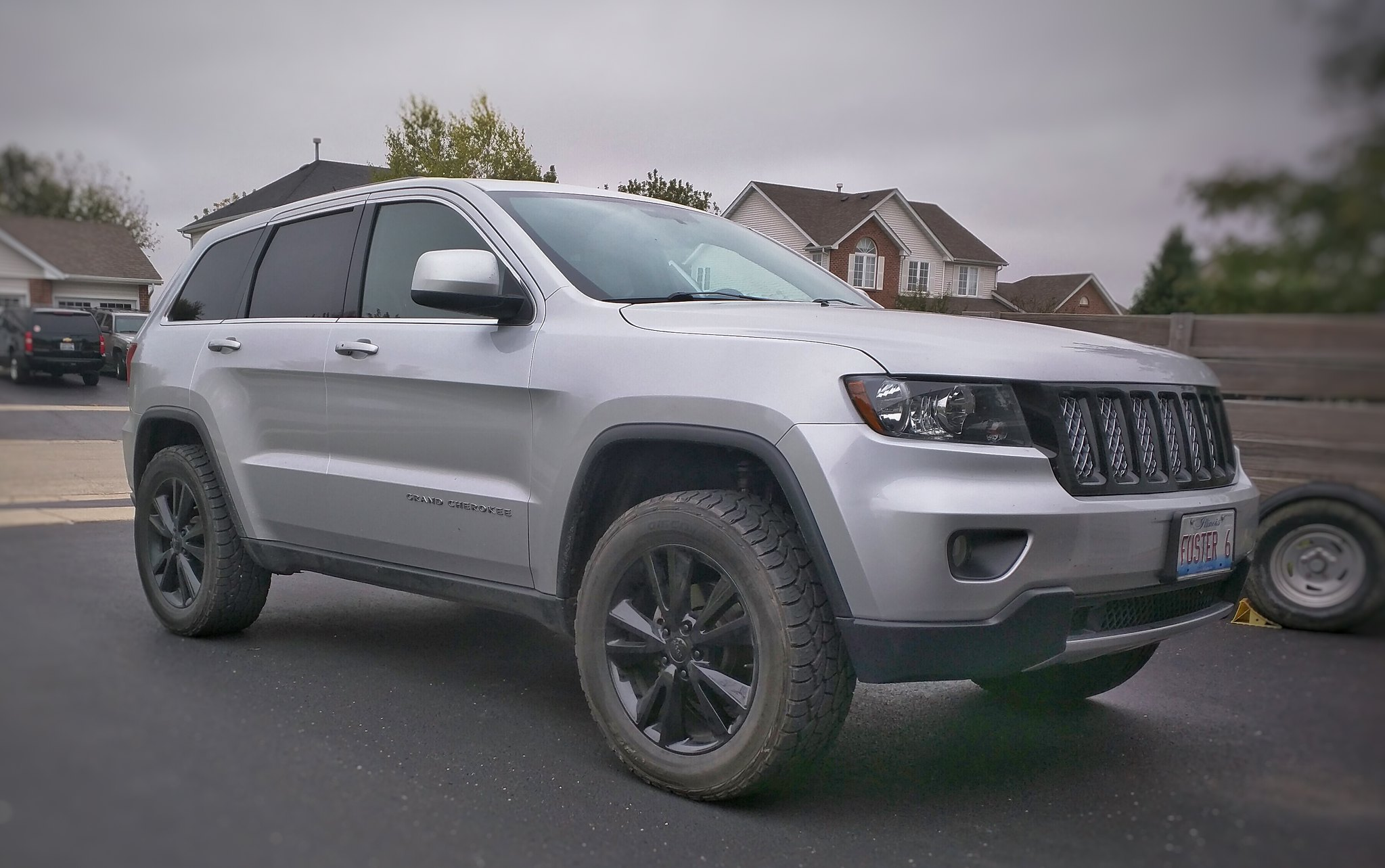 275 55 20 With 1 5 Quot Spacers Issues Jeep Garage Jeep Forum