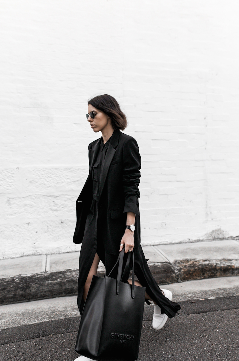 all black minimal outfit fashion blogger street style shirt dress Givenchy logo tote bag Celine sneakers modern legacy Karen Millen (8 of 16)
