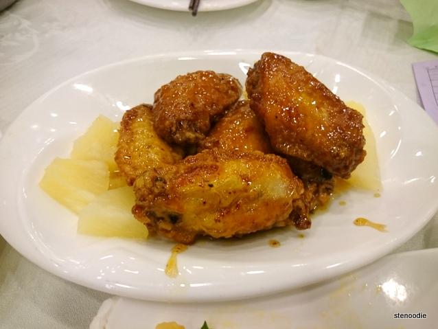 Honey fried chicken wings