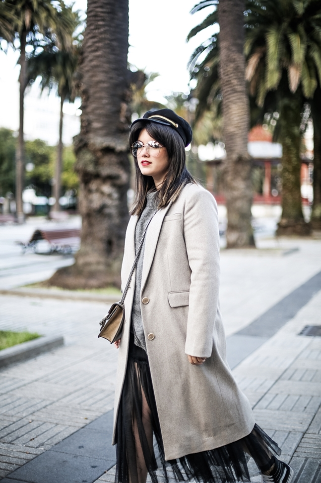 tulle-dress-zara-oversize-sweater-vans-fishnets-myblueberrynightsblog-streetstyle