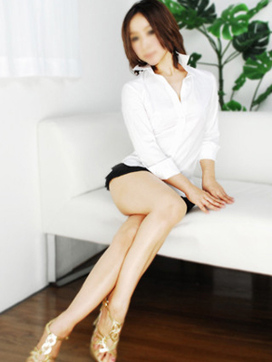 桃華りょう(26)