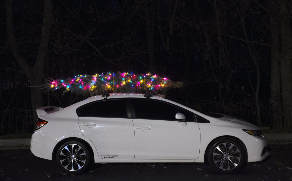 Dashing through the snow | Honda Civic Si w/ Lighted Christmas Tree on Top!