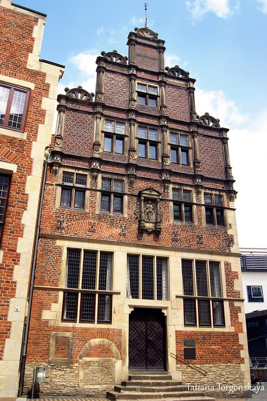 Нидерландский дом