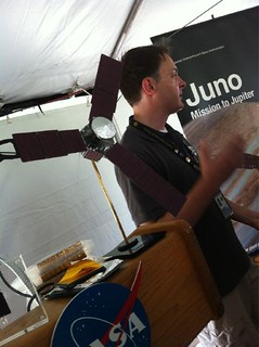 This is @NASA_eyes explaining solar cells and panels. | by Examiner.com