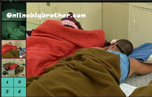 BB13-C3-8-1-2011-3_02_07.jpg | by onlinebigbrother.com