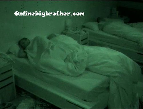BB13-C4-7-8-2011-9_32_23.jpg | by onlinebigbrother.com
