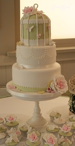 Birdcage wedding cake | by Cotton and Crumbs